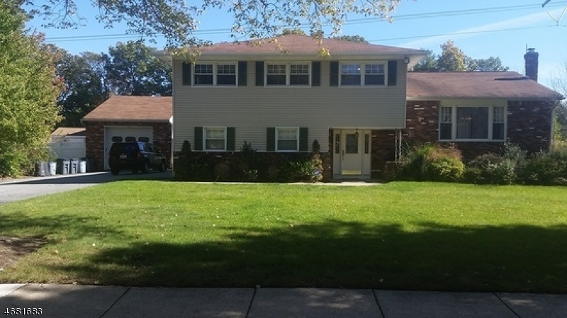 Single Family Home for Rent at 10 Arnold Drive Parsippany, 07054 United States