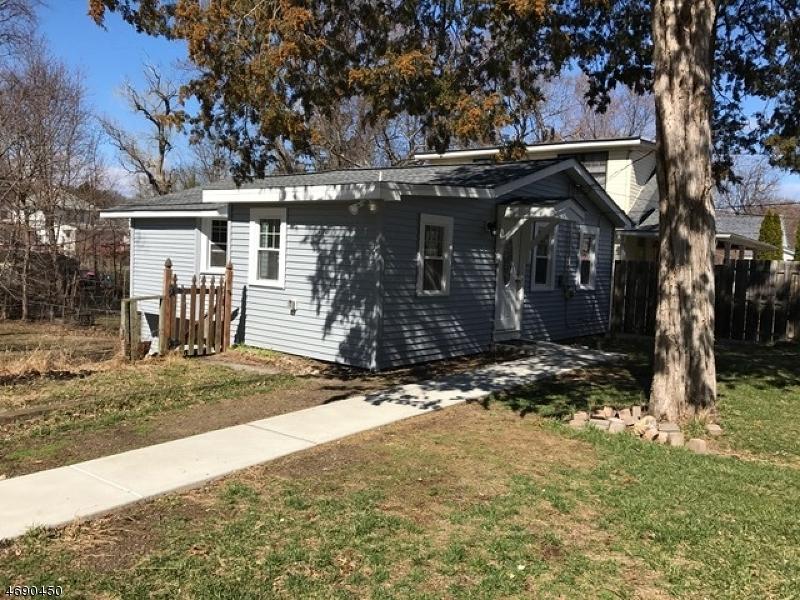 Частный односемейный дом для того Аренда на 24 Grove Street Wanaque, Нью-Джерси 07465 Соединенные Штаты