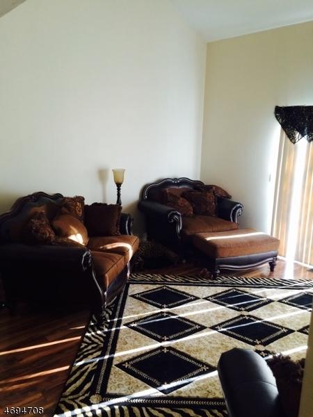 Maison unifamiliale pour l à louer à 23 Eagle Drive Hampton, New Jersey 07860 États-Unis