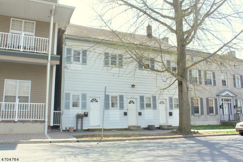 Casa Multifamiliar por un Venta en 428 FRONT Street Belvidere, Nueva Jersey 07823 Estados Unidos