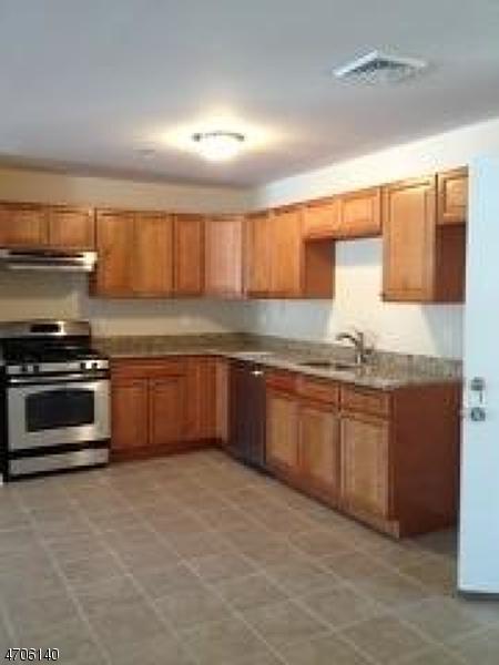 Casa Unifamiliar por un Alquiler en 1267 Mountain Avenue Mountainside, Nueva Jersey 07092 Estados Unidos