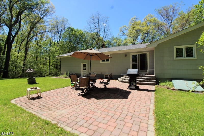 Additional photo for property listing at 745 Houses Corner Road  Sparta, New Jersey 07871 États-Unis