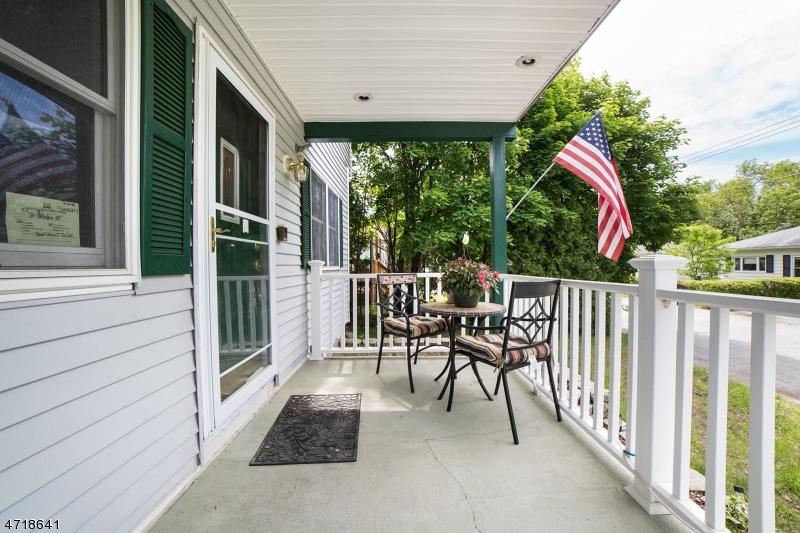 Maison unifamiliale pour l Vente à 31 Bridge Street Ogdensburg, New Jersey 07439 États-Unis