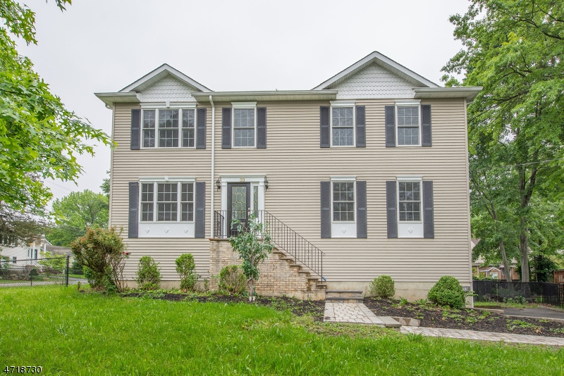 Single Family Home for Sale at 33 Wenonah Avenue Lake Hiawatha, New Jersey 07034 United States