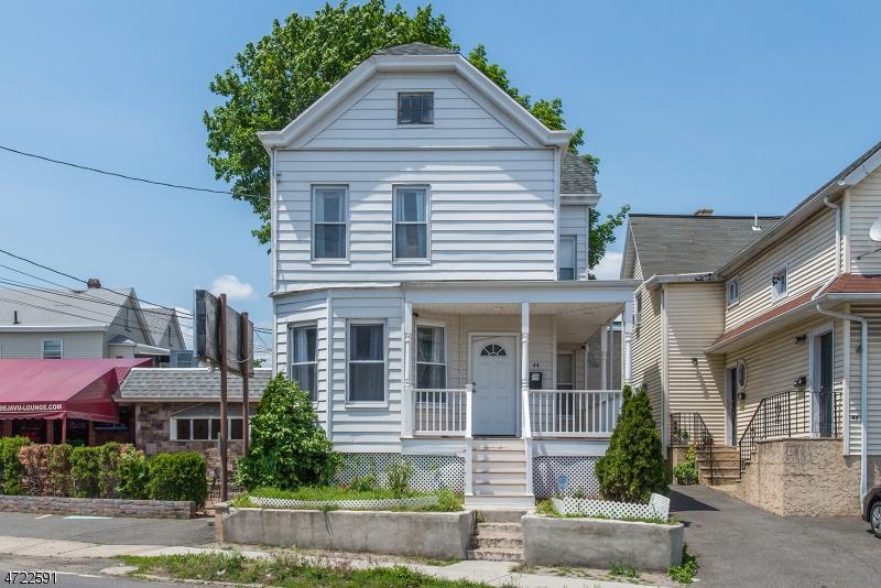 Maison unifamiliale pour l Vente à 44 River Drive Garfield, New Jersey 07026 États-Unis