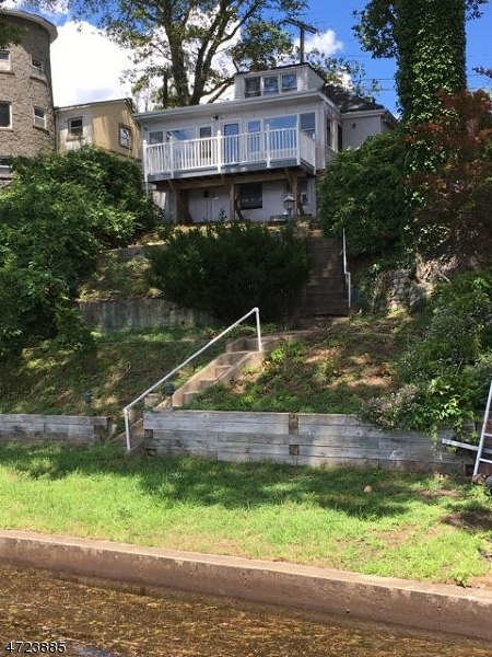 Частный односемейный дом для того Продажа на 95 Bertrand Island Road Mount Arlington, Нью-Джерси 07856 Соединенные Штаты