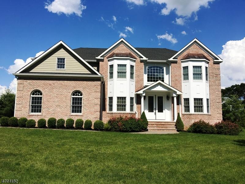 Casa Unifamiliar por un Venta en 4 Robbie Lane Mountainside, Nueva Jersey 07092 Estados Unidos