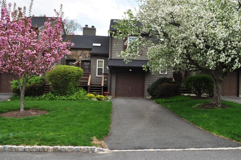 Частный односемейный дом для того Аренда на 8-D BROOKLINE Court Montgomery, Нью-Джерси 08540 Соединенные Штаты