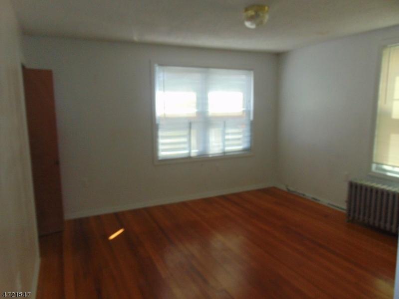獨棟家庭住宅 為 出租 在 616 Fulton Street Elizabeth, 新澤西州 07206 美國
