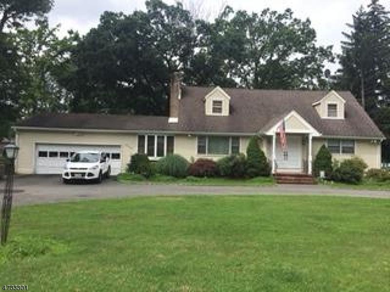 Maison unifamiliale pour l à louer à 107 Konner Avenue Montville, New Jersey 07058 États-Unis