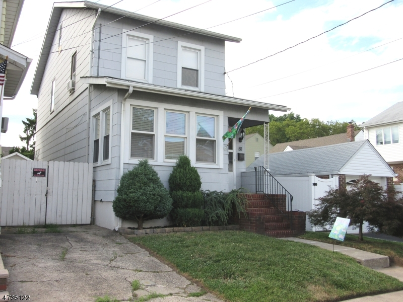 Single Family Home for Sale at 81 Chestnut Street North Arlington, New Jersey 07031 United States