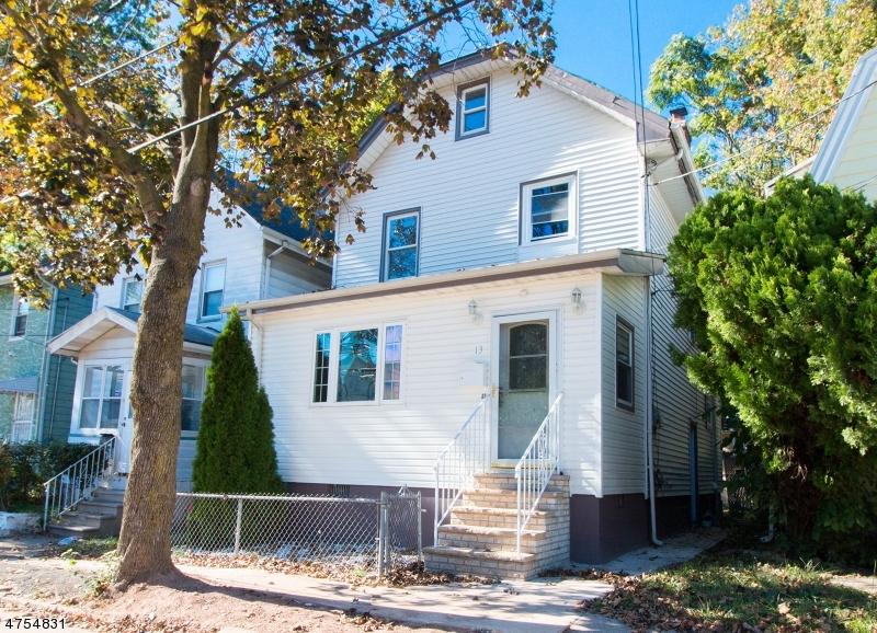 Casa Unifamiliar por un Alquiler en 13 McAllister Place Irvington, Nueva Jersey 07111 Estados Unidos