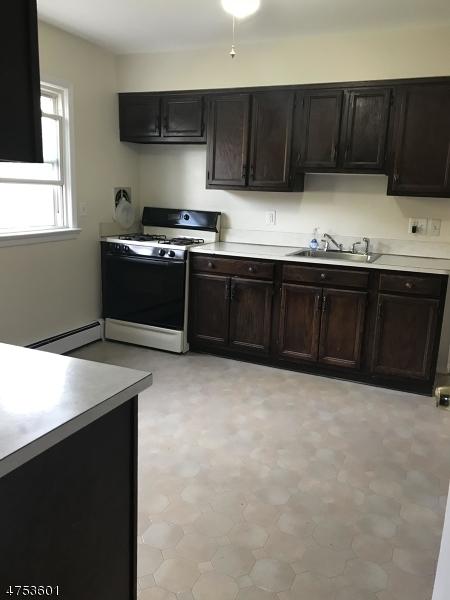 Частный односемейный дом для того Аренда на 34 Mountain Avenue Wanaque, Нью-Джерси 07465 Соединенные Штаты