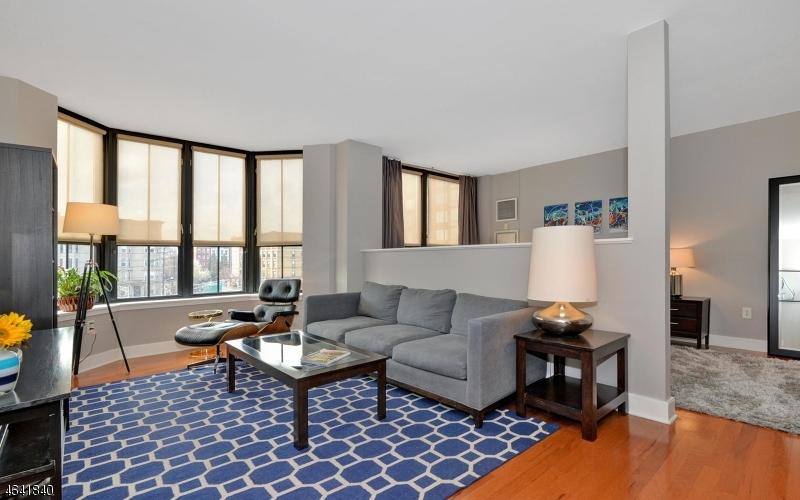 Maison unifamiliale pour l à louer à 1025 Maxwell Lane Hoboken, New Jersey 07030 États-Unis