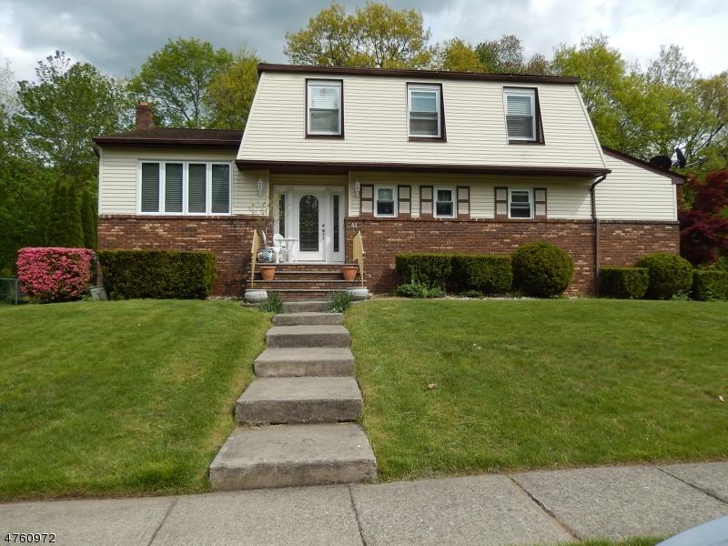 Casa Unifamiliar por un Venta en 41 Northgate Wanaque, Nueva Jersey 07465 Estados Unidos