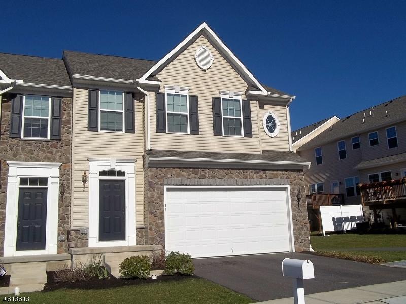 Single Family Home for Sale at 16 Washington Square Circle Washington, New Jersey 07882 United States