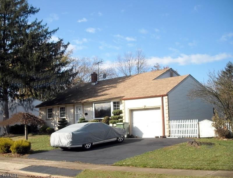 Casa Unifamiliar por un Alquiler en 27 Eardley Road Edison, Nueva Jersey 08817 Estados Unidos