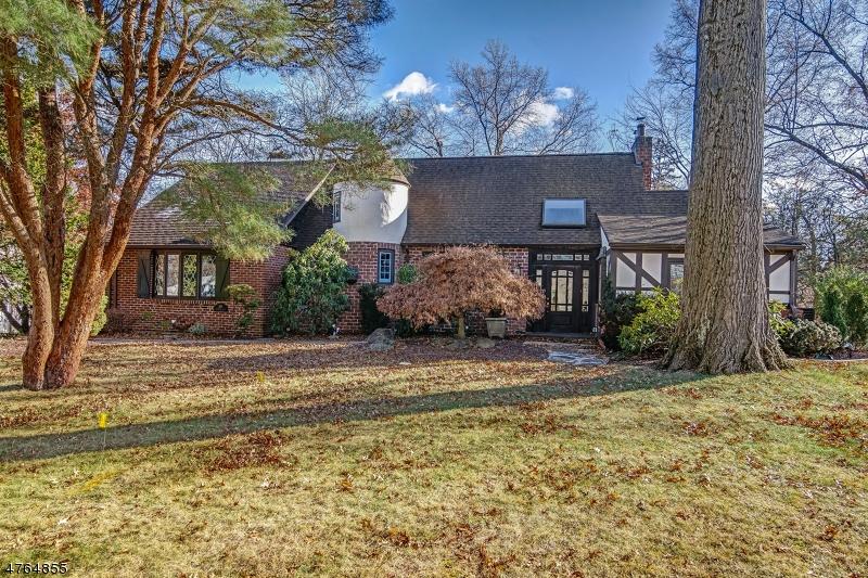 Частный односемейный дом для того Продажа на 280 Brooklake Road Florham Park, Нью-Джерси 07932 Соединенные Штаты