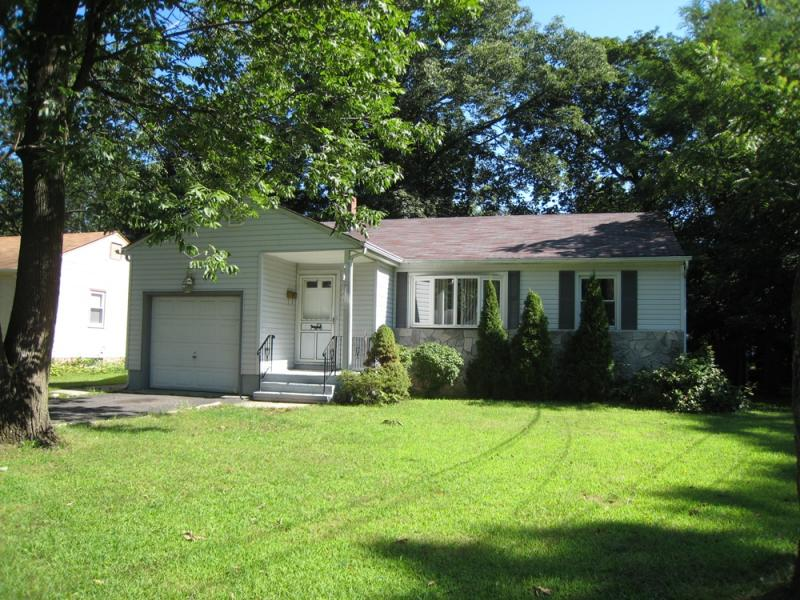 Single Family Home for Rent at 349 Jackson Avenue Scotch Plains, New Jersey 07076 United States