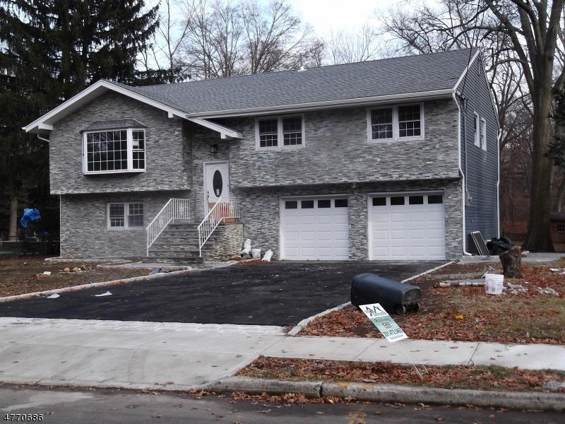 Casa Unifamiliar por un Venta en 71A LYONS Place Westwood, Nueva Jersey 07675 Estados Unidos
