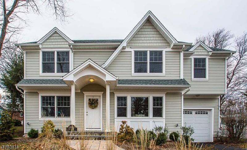 Maison unifamiliale pour l Vente à 384 BLVD Glen Rock, New Jersey 07452 États-Unis