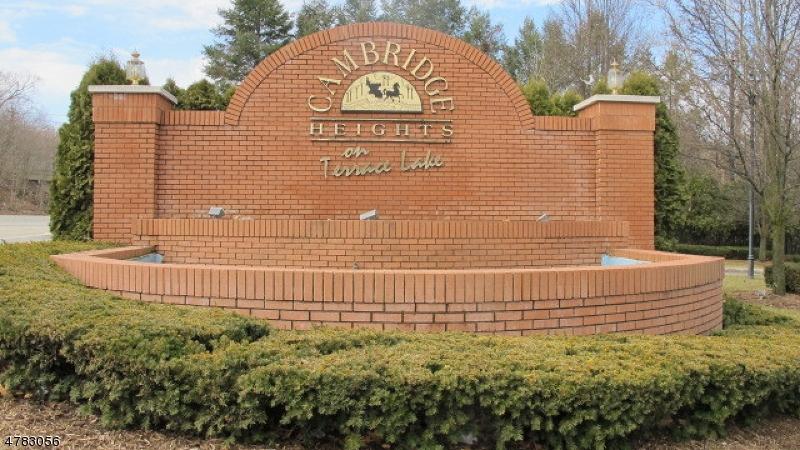 Casa Unifamiliar por un Alquiler en 215 Terrace Lake Drive Butler, Nueva Jersey 07405 Estados Unidos