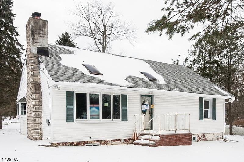 獨棟家庭住宅 為 出售 在 10 Quaker Church Road 10 Quaker Church Road Randolph, 新澤西州 07869 美國
