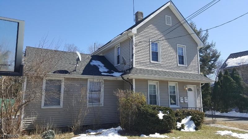 Casa Unifamiliar por un Alquiler en 419 B Montclair Avenue Pompton Lakes, Nueva Jersey 07442 Estados Unidos