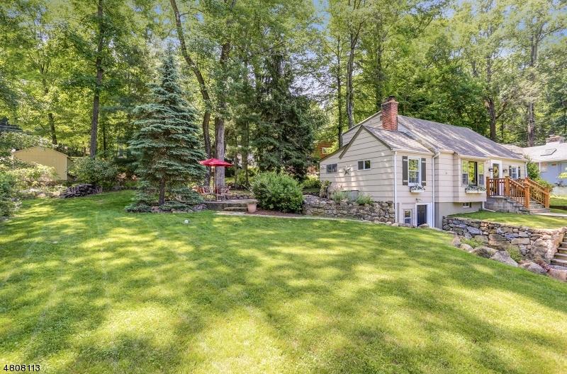 Частный односемейный дом для того Продажа на 137 HILLSIDE Road Sparta, Нью-Джерси 07871 Соединенные Штаты