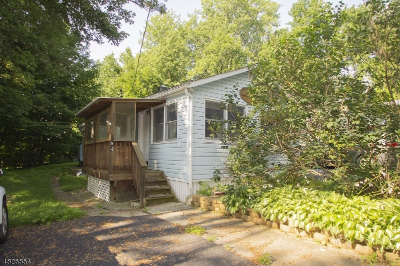 Single Family Home for Sale at 84 FAIRVIEW DR 84 FAIRVIEW DR West Milford, New Jersey 07421 United States