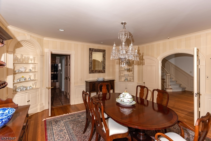 Additional photo for property listing at 92 OAK Lane  Essex Fells, 新泽西州 07021 美国