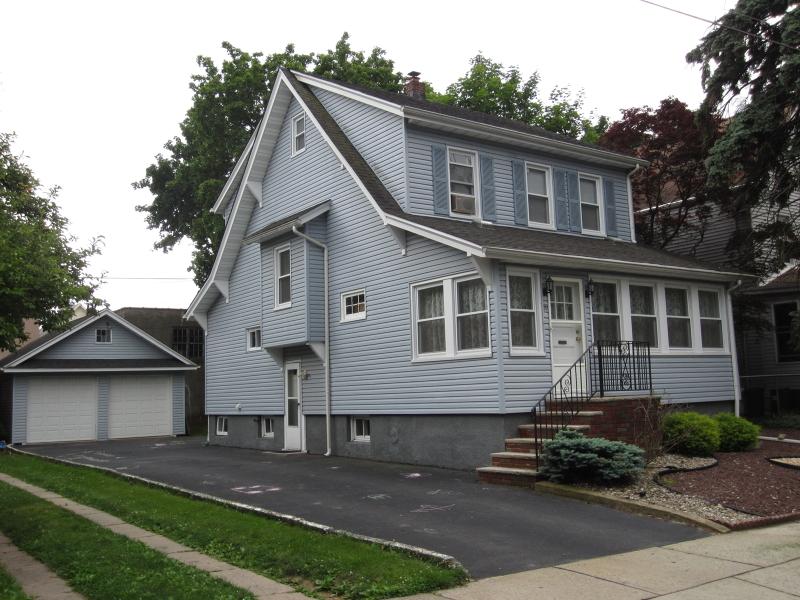 独户住宅 为 出租 在 20 WOODLAND Avenue 纳特利, 新泽西州 07110 美国