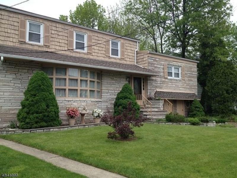 Maison unifamiliale pour l à louer à 1075 W Chestnut Street Union, New Jersey 07083 États-Unis
