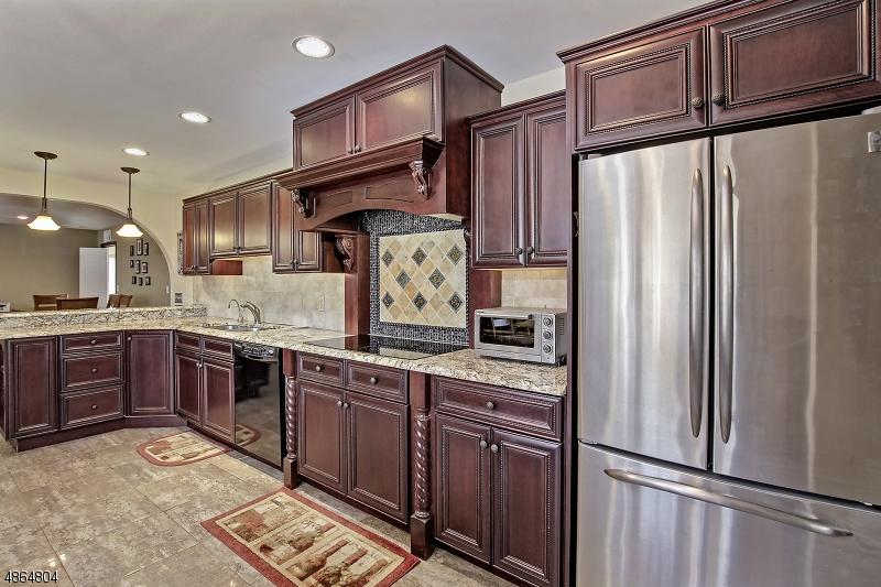 Eensgezinswoning voor Verkoop op 31 BOUNTIFUL Drive Allamuchy, New Jersey 07840 Verenigde Staten