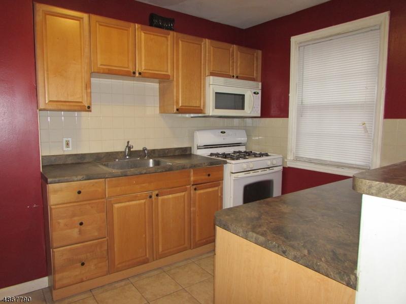 Condo / Townhouse pour l Vente à 33 HIGH Street Orange, New Jersey 07050 États-Unis