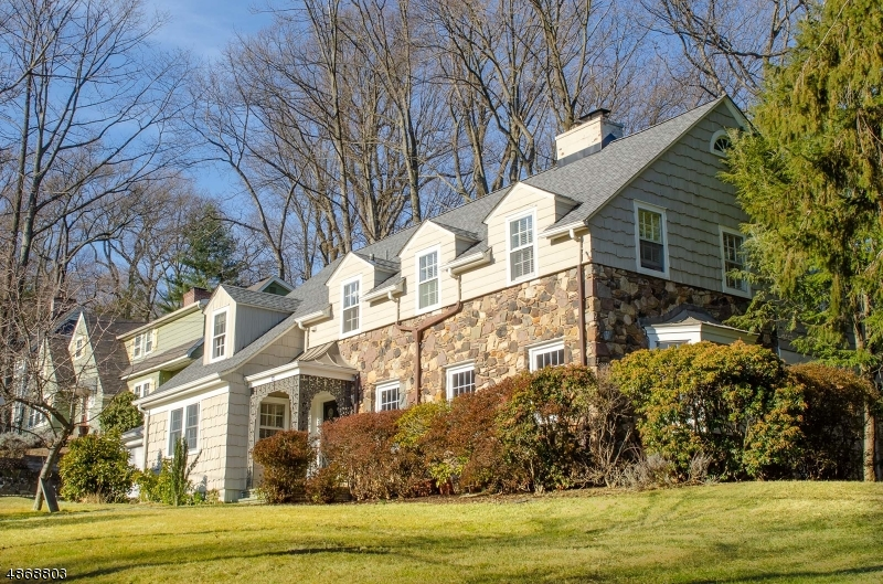 Single Family Home for Sale at 49 COLLINWOOD Road Maplewood, New Jersey 07040 United States