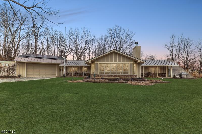 Maison unifamiliale pour l Vente à 525 WATTERS Road Mansfield, New Jersey 07840 États-Unis