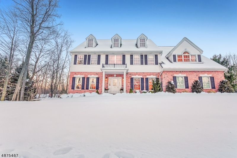 Частный односемейный дом для того Продажа на 16 SUNNYSIDE Drive Montvale, Нью-Джерси 07645 Соединенные Штаты