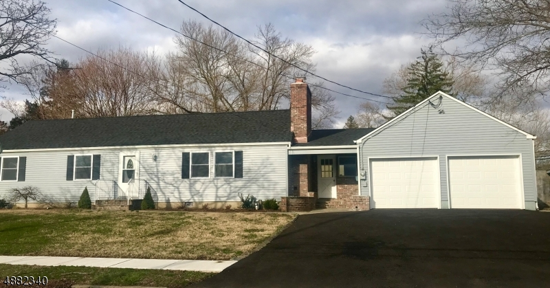 Vivienda unifamiliar por un Alquiler en 2 LAWRENCE Drive Hackettstown, Nueva Jersey 07840 Estados Unidos
