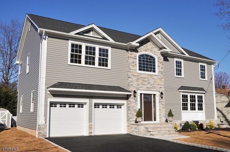 Villa per Vendita alle ore 15 POPLAR TER Clark, New Jersey 07066 Stati Uniti