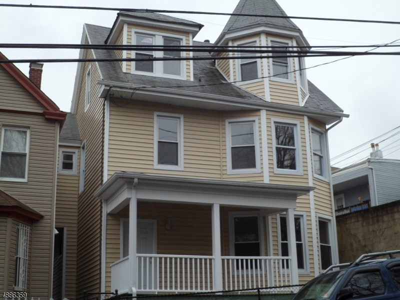 Villas / Townhouses for Sale at 72 HALLECK ST Newark, New Jersey 07104 United States