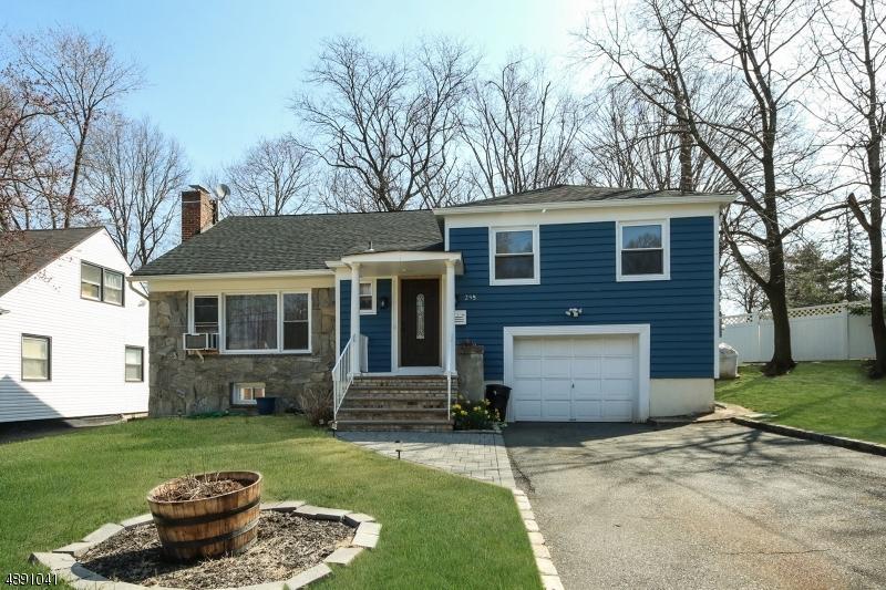 Maison unifamiliale pour l Vente à Orange, New Jersey 07050 États-Unis