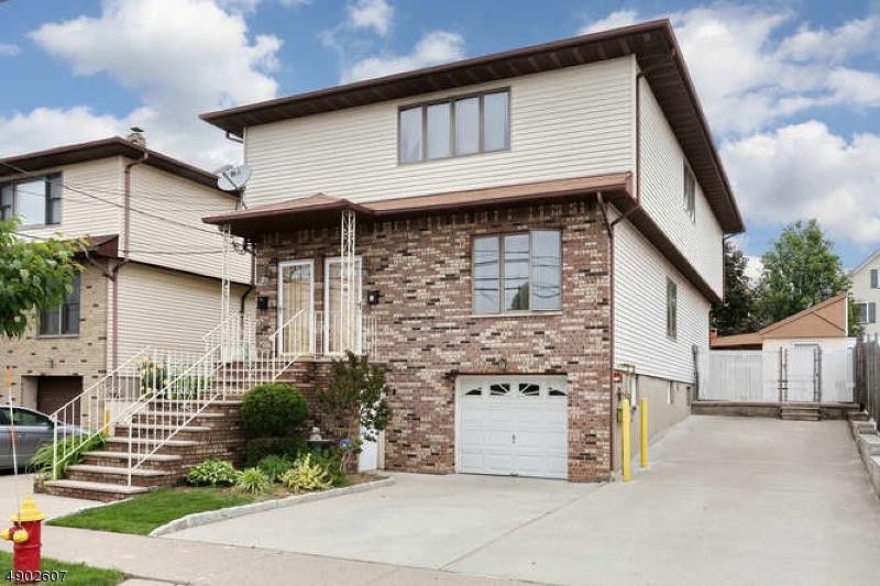 multi-family homes pour l Vente à Lodi, New Jersey 07644 États-Unis