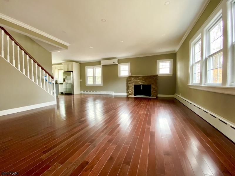 Single Family Homes för Försäljning vid Park Ridge, New Jersey 07656 Förenta staterna