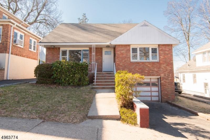 Single Family Homes per Vendita alle ore Hackensack, New Jersey 07601 Stati Uniti