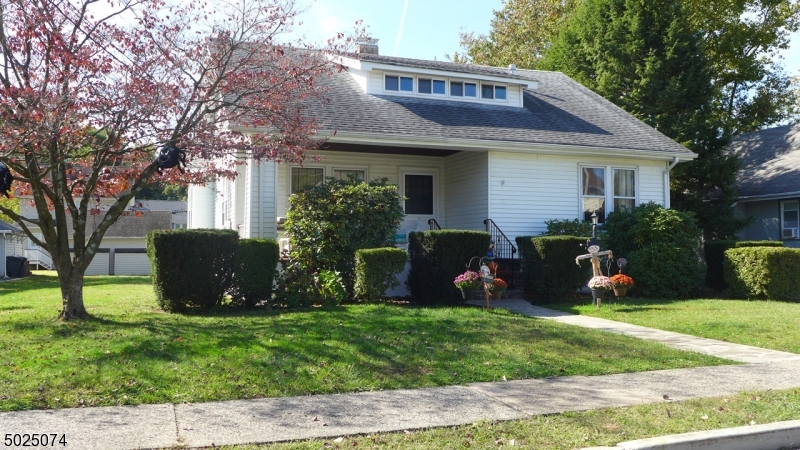 Single Family Homes for Sale at Rochelle Park, New Jersey 07662 United States