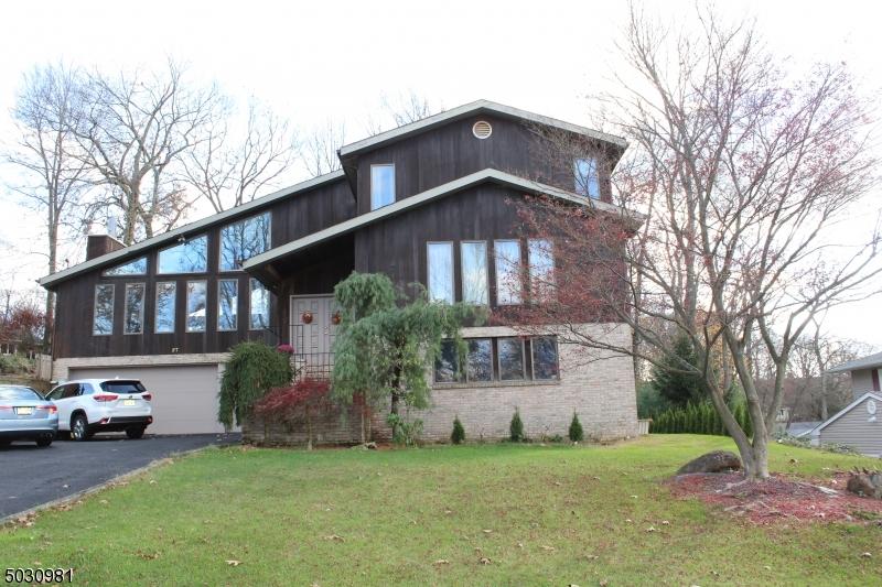 Single Family Homes per Vendita alle ore Jefferson Township, New Jersey 07849 Stati Uniti