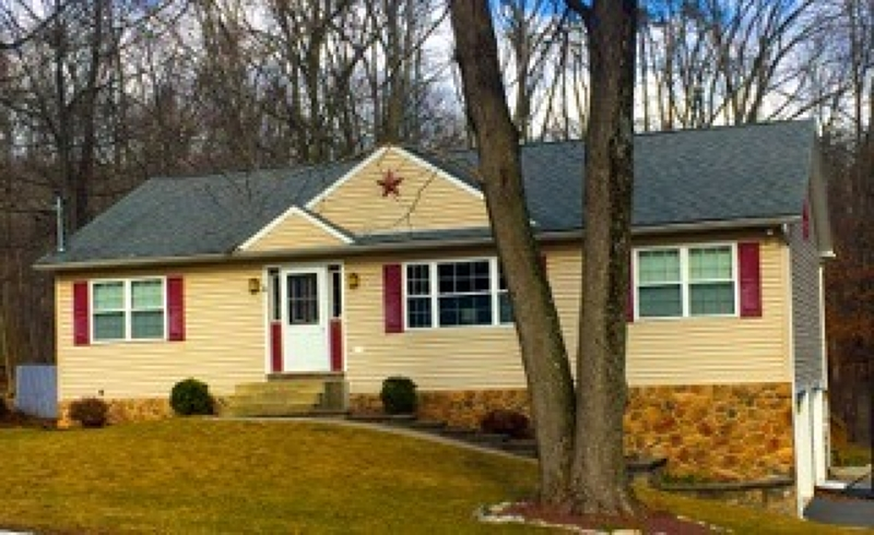 Single Family Home for Sale at 40 North Street Bangor, Pennsylvania 18013 United States