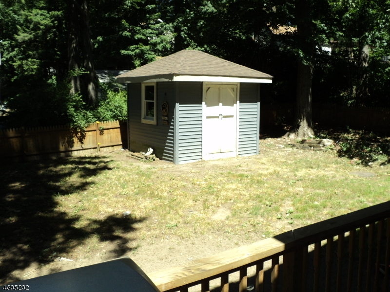 Additional photo for property listing at 136 Point Breeze Drive  Hewitt, Нью-Джерси 07421 Соединенные Штаты