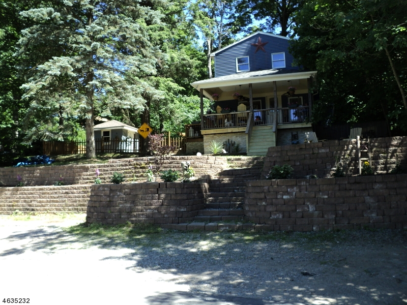 Single Family Home for Sale at 136 Point Breeze Drive West Milford, New Jersey 07421 United States
